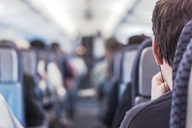 飛行機内のイメージ画像