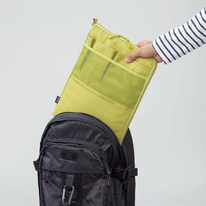 リュックに便利な縦型バッグインバッグ