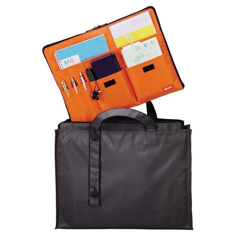 ビジネスバッグに便利な横型バッグインバッグ