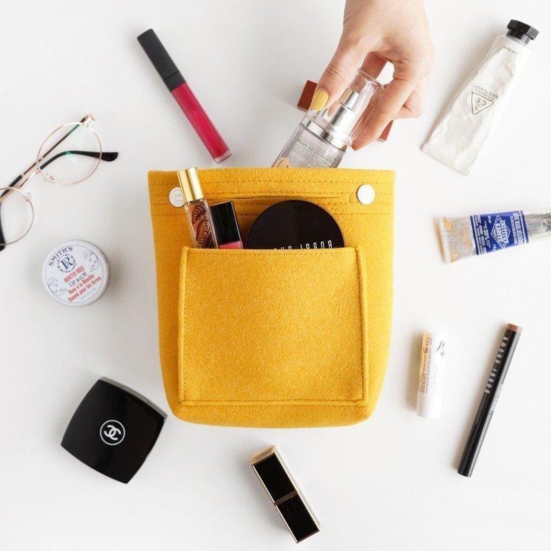 色々なカバンを使う方に便利なコンパクトなバッグインバッグ