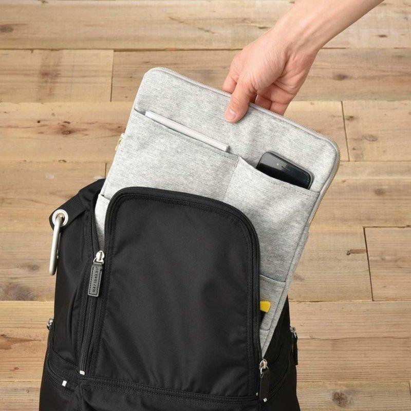 リュックにぴったりサイズの縦型バッグインバッグ