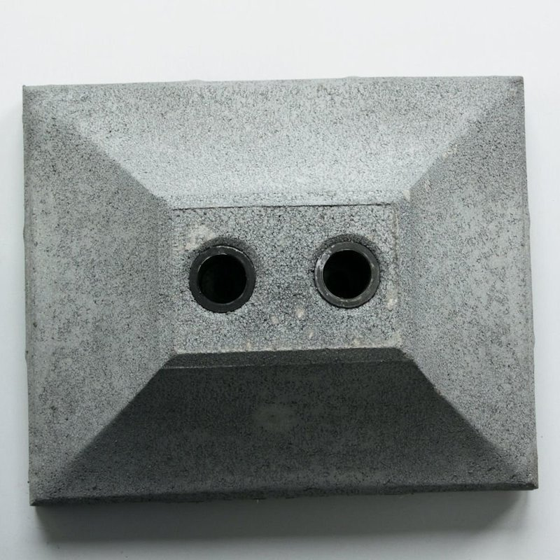 重量が重く安定感のあるコンクリートベース