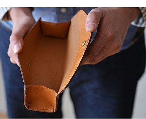 ボタンタイプの革製ペンケース
