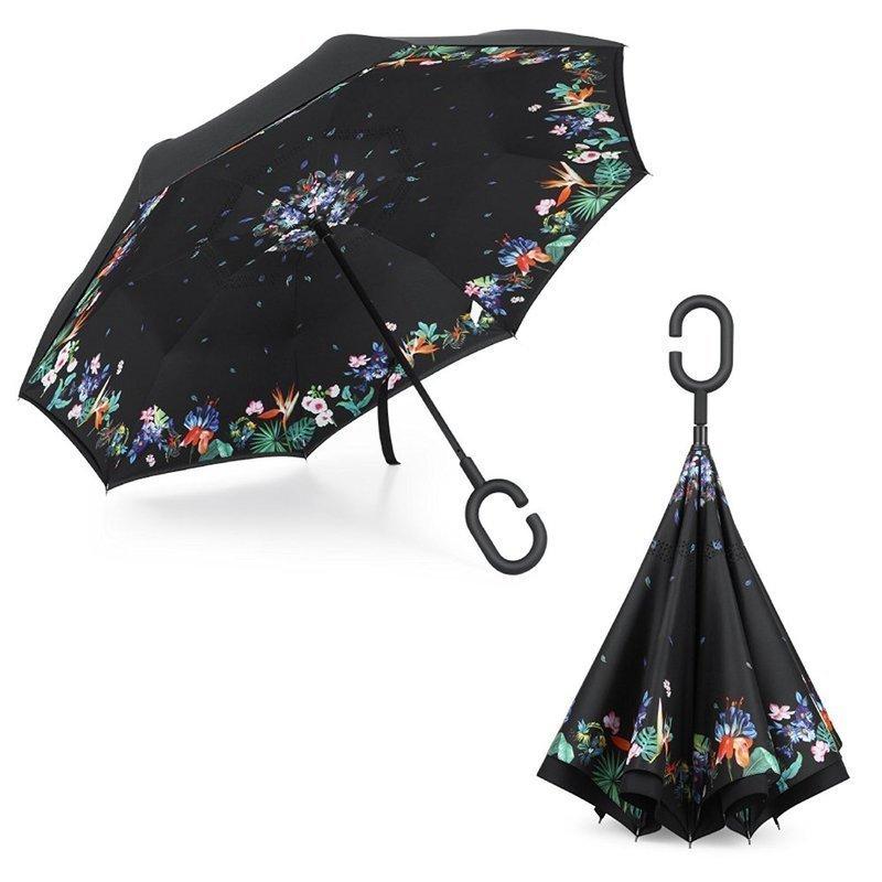 照り返しの日光も吸収しやすい黒色の日傘