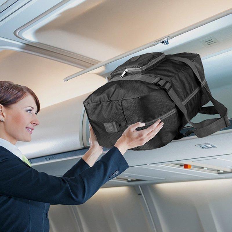 機内持ち込みされたバッグ