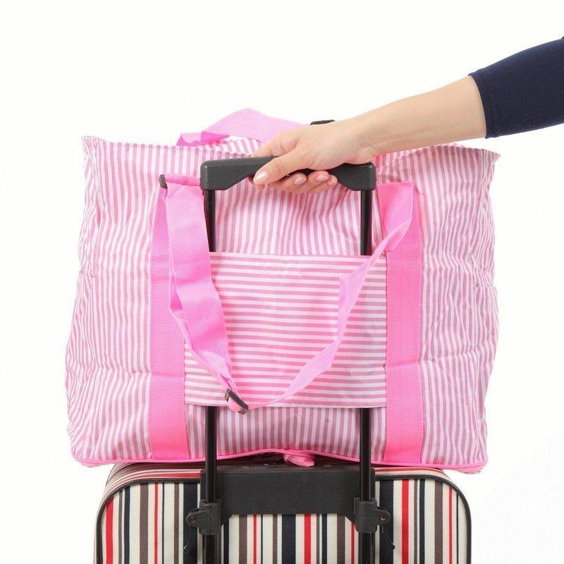 鮮やかなピンクカラーが可愛いキャリーオンバッグ