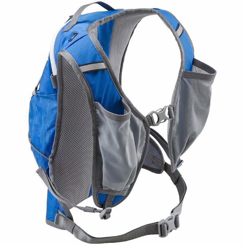 ランニング中に取り出しやすい位置にポケットがあるランニング用バックパック