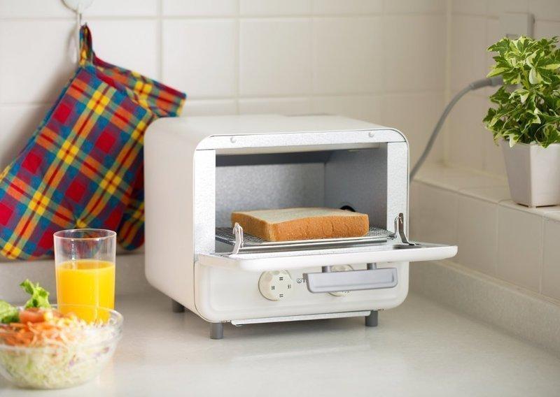 コンパクトなオーブントースター