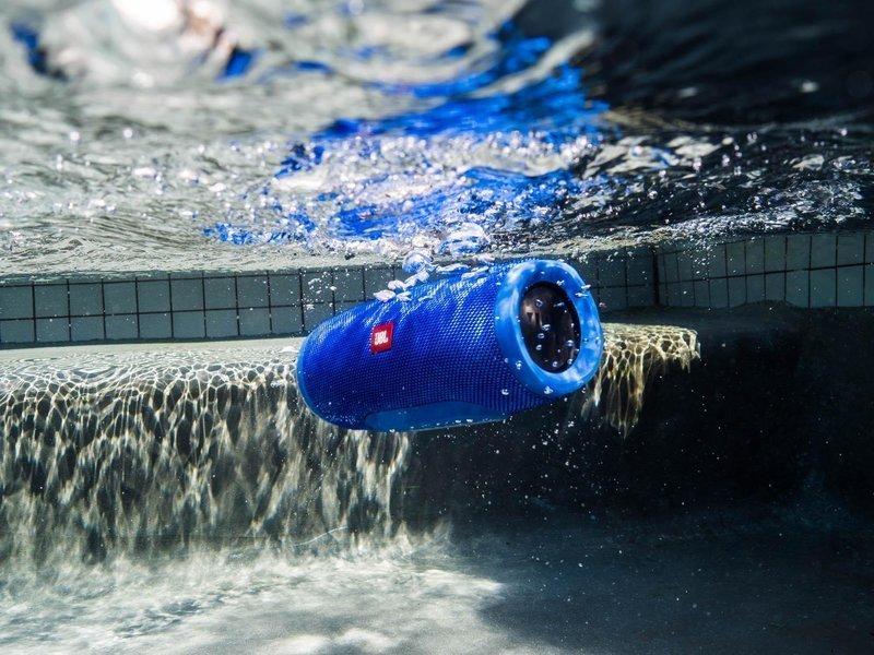 IPX7の防水性能を誇るBluetoothスピーカー